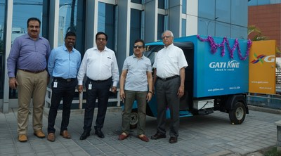 Gati Founder & CEO - Mahendra Agarwal (2nd from Right) Launches Electric Vehicle for Last Mile Ops (PRNewsfoto/Gati Ltd)