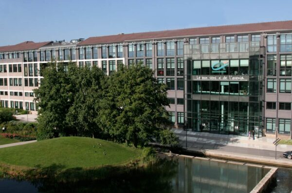 Crédit Agricole Assurances to buy out Novo Banco' stake in GNB Seguros.